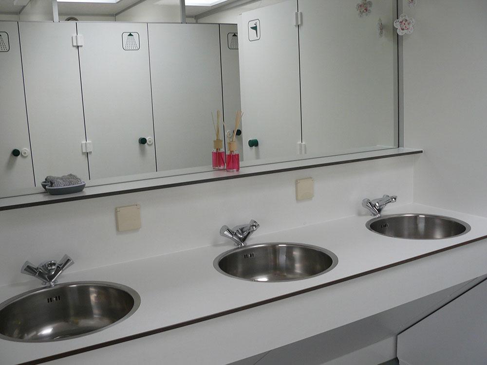 Faciliteiten camping aan de beemden - Toilet faciliteiten ...